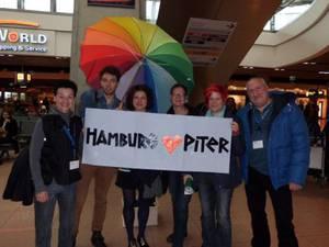 Herzlicher Empfang bei der Ankunft am 15. Oktober  Foto: LSVD Hamburg